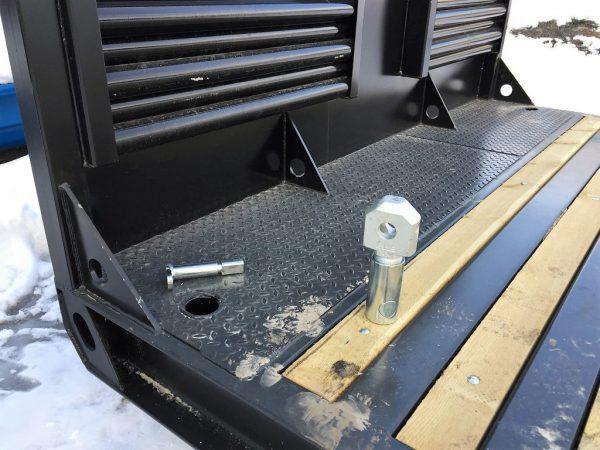 ISO container lås til stakehylser i maskinflak